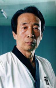 Am 23. Juni 2021 ist Kim Yun Sang Dojunim Im Alter von 87 Jahren von uns gegangen.